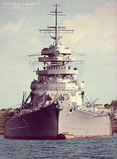 1aaa11003fcb16fa217f6d9eb9590da1--navy-ships-bismarck-battleship